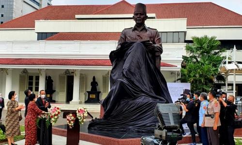 Peringatan HUT ke-56, Lemhanas RI Bangun Patung Bung Karno