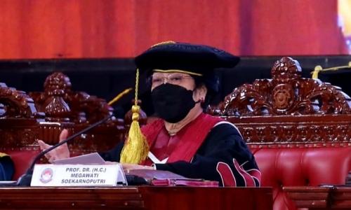 Pidato Megawati Usai Menerima Pengukuhan Profesor Kehormatan