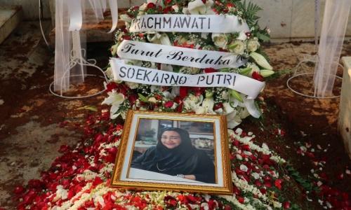 Proses Pemakaman Almarhumah Rachmawati Soekarnoputri