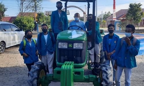 Ansy Sukses Perjuangkan Traktor Roda Empat Bagi Unimor