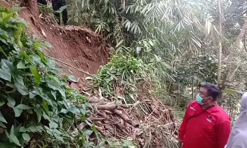 Banteng Garut Beri Bantuan ke Warga Yang Berkesusahan