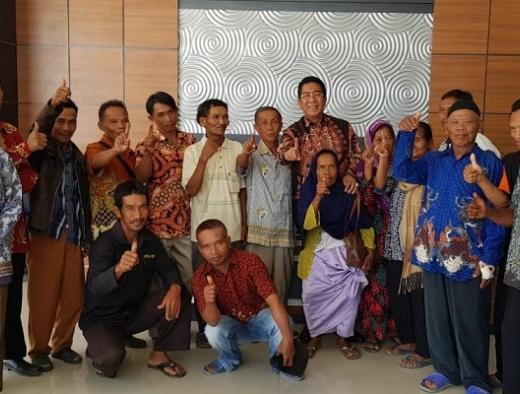 Henry Yoso Perjuangkan Hak Tanah Transmigran Lampung Tengah