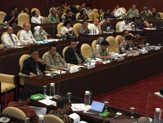 Rapat dengan Kementan, Komisi IV Kritisi Kebijakan e-RDKK