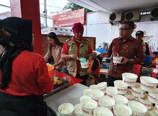 Hasto: Lezat dan Bergizi Makanan Untuk Bantuan Korban Banjir
