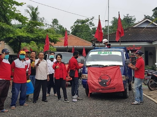 Chondrowati & Kader Banteng TBB Gotong Royong Perangi Covid