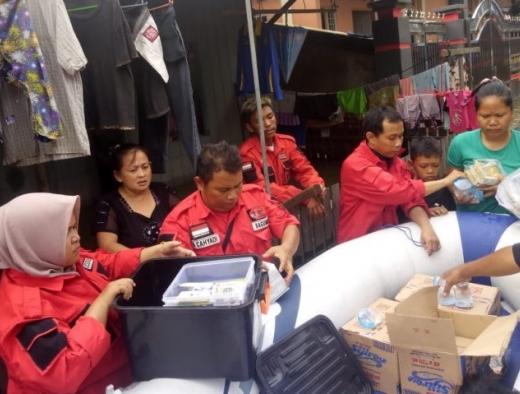 Banjir Sepekan, Banteng Samarinda Bangun Posko & Dapur Umum