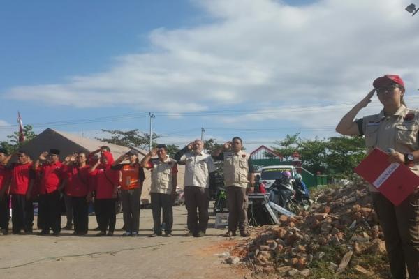 Korban Gempa Lombok Khidmat Ikuti Upacara HUT ke-73 RI