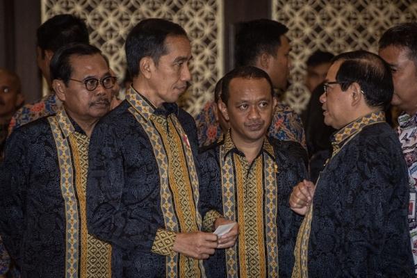 Presiden Beberkan Pemerintah dan DPR Sedang Bertarung