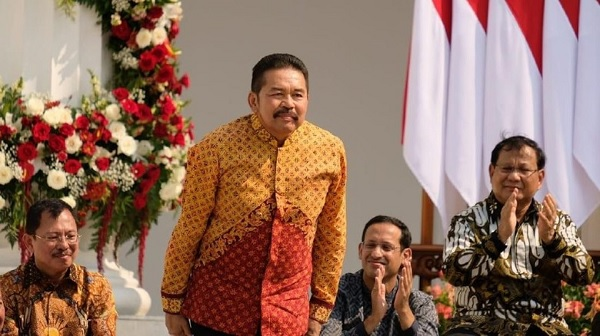 Tak Terkait Parpol, Jokowi Sangat Cermat Pilih Jaksa Agung