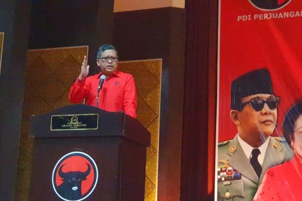 Hasto Sarankan Anies Belajar dari Jokowi dan Ahok