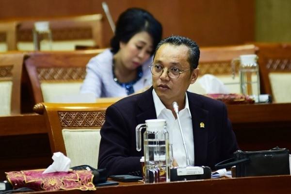 Deddy Sitorus: KPK Dilemahkan Oleh Oknum Internal