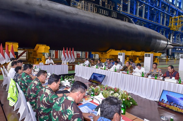 Jokowi: Pengembangan Alutsista Perkuat Industri Pertahanan