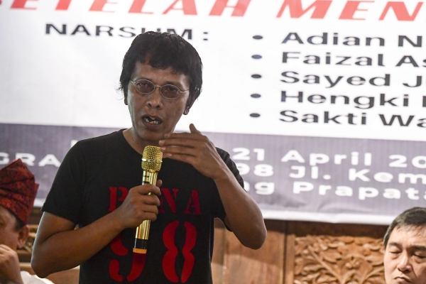 Aksi Heroik Adian di ILC Banjir Pujian Warganet