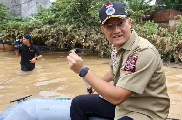 Mensos 'Sentil' Kepala Daerah yang Gagap Tangani Banjir