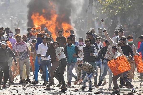 Tirani Mayoritas, Penyebab Kerusuhan SARA di India
