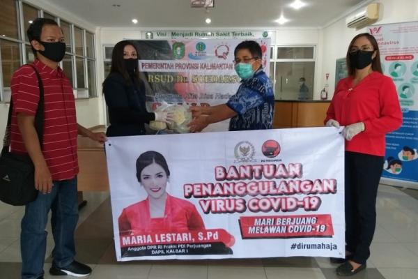 Maria Bagikan Puluhan Ribu Vitamin, Masker Hingga Wastafel