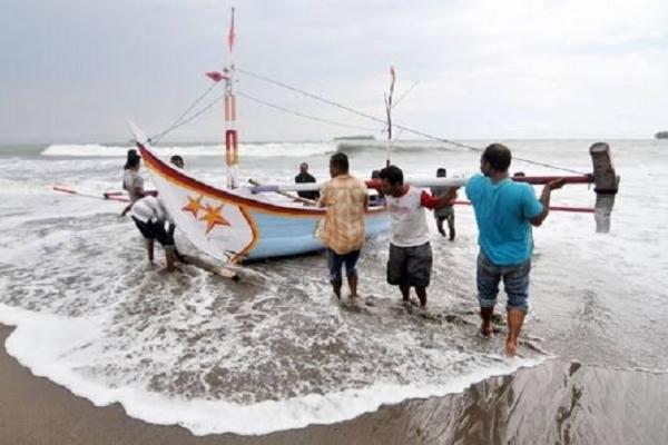 Mensos Pastikan Bansos Pada Nelayan & Petani Bersifat Tunai