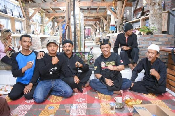Anton Fasilitasi Pengaduan Rakyat Terkait Perusahaan Ternak
