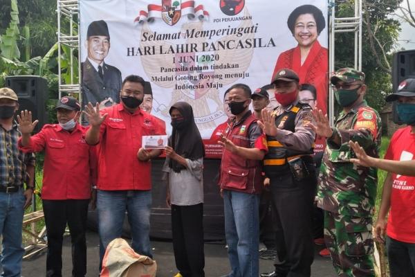 Hari Lahir Pancasila, Banteng Garut Gelar Bakti Sosial