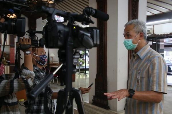 Ganjar Minta Semarang Raya Lakukan PKM Serentak