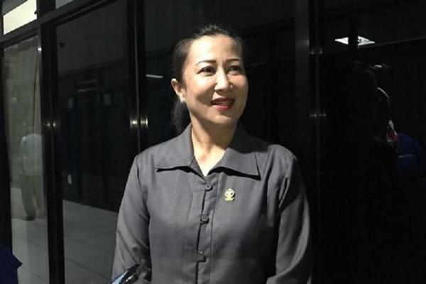 Sebut Covid Musuh Negara, Sarce: Mari Jalani Vaksinasi!