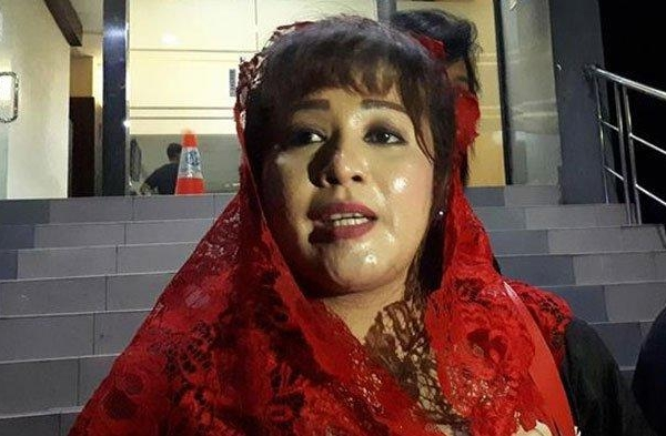 KPK Tangkap Nurdin, Dewi 'Sentil' Begini ke KPK