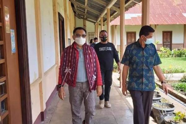 Ansy Dukung Seminari Mataloko Bangun Pertanian & Peternakan