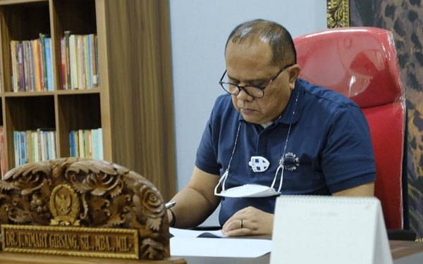Junimart Tegur Keras Bupati Kabupaten Toba