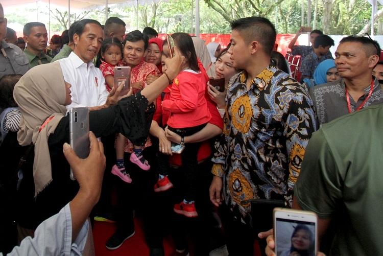 64,9 Persen Masyarakat Puas dengan Kinerja Jokowi