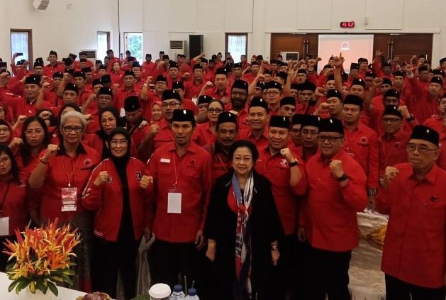 Megawati Ingatkan Kader Tidak Mabuk Kekuasaan