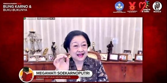Megawati Minta Nadiem Buka Kesempatan Luas ke Anak Bangsa
