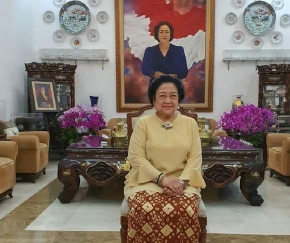 Di Hari Nan Fitri, Megawati & Puan Kompak Pakai Gambo Muba