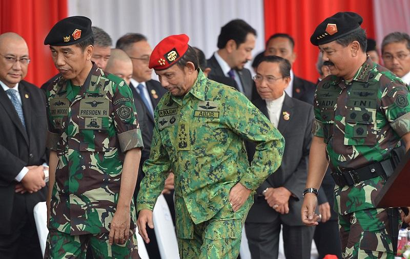 Soft Diplomasi Jokowi, Sultan Brunei Beli Panser Anoa