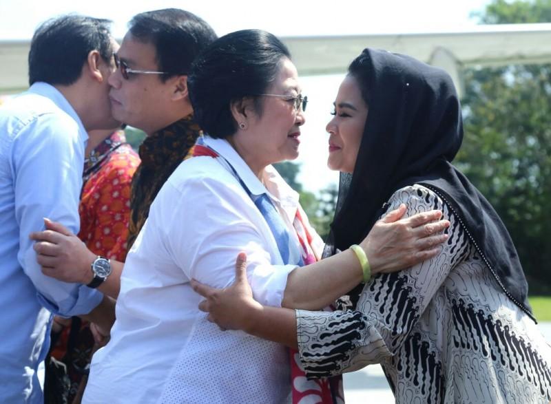 Puti Temani Megawati Nyekar di Blitar