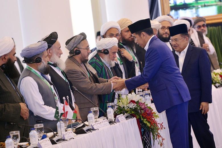 Shalat Bareng Presiden, Ulama Banten Ajak Tangkal Hoax