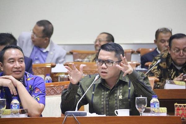 Meski Penghina Jokowi di Bawah Umur, Arteria Minta Ditindak