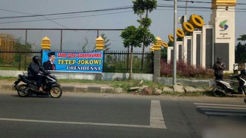 Muncul Spanduk Dukungan Jokowi Dua Periode