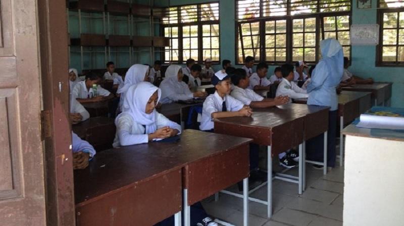 Nadeak: Ruang Kelas Terbatas, Hambat Pelajar Bersekolah