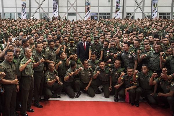 Jokowi Tuntut Netralitas Babinsa di Pilpres 2019