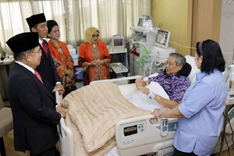 Presiden Jokowi dan Wapres JK Jenguk SBY