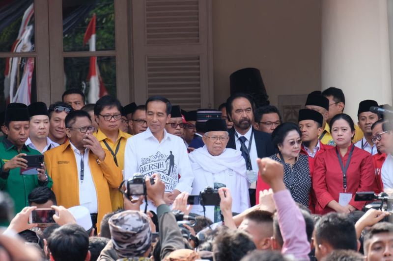 Jokowi, Wong Solo yang Jadi Tumpuan Rakyat Indonesia