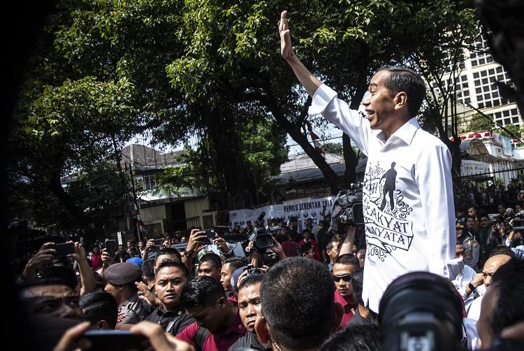 Jokowi Ucapkan Selamat Kepada Prabowo-Sandi