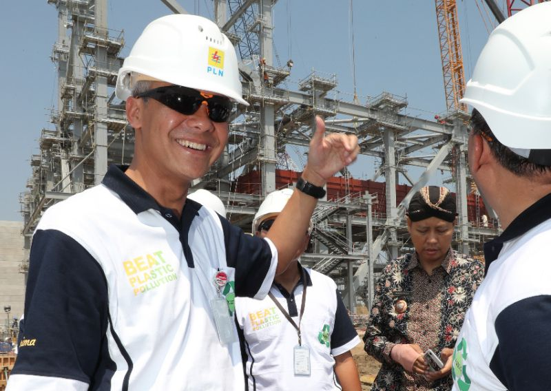 Ganjar Harap Pembangunan PLTU Jawa Tepat Waktu