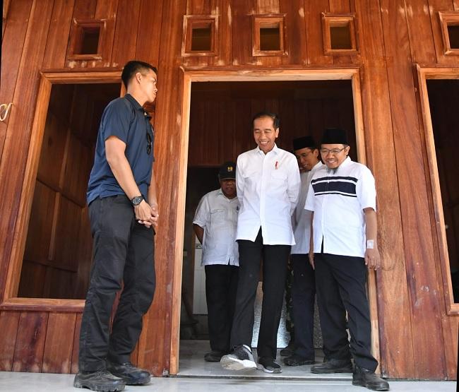 Tinjau Korban Gempa, Presiden Sempatkan Kunjungi Rumah Zohri