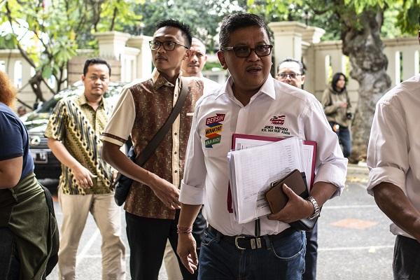Hasto: Bentuk Tim tak Mampu, Prabowo-Sandi kok Serang Jokowi