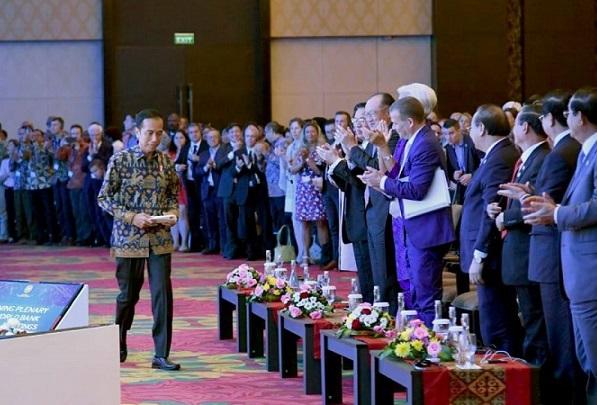 Pertemuan IMF-WB, Ajang Jokowi Buktikan Trisakti Bung Karno