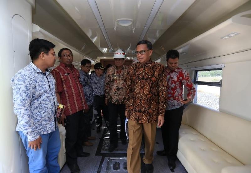 Kereta Api Trans Makassar-Palu Diminati Investor