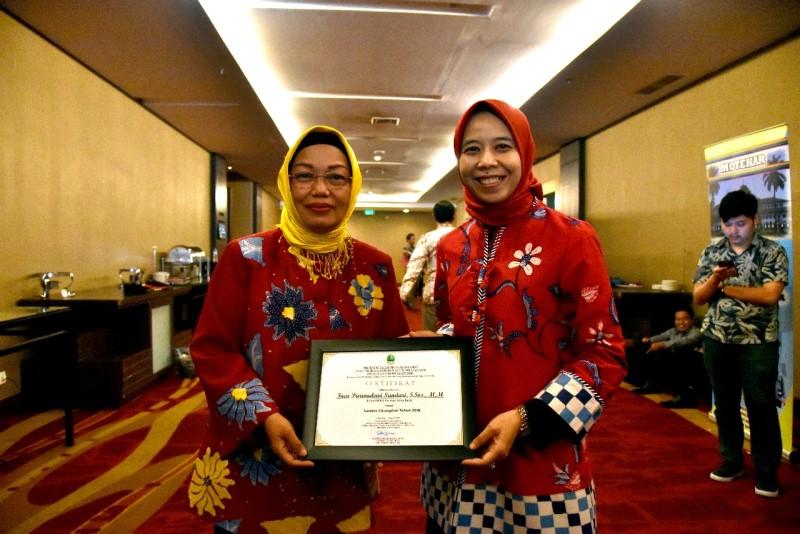 Mantap, Ketua DPRD Jabar Sabet Gelar Champion Gender 2018