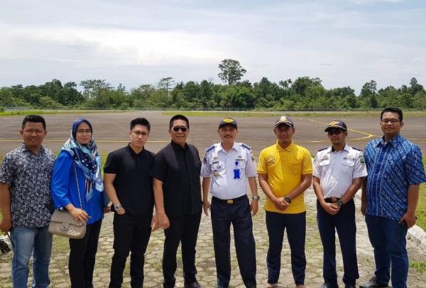 Henry Yoso Tinjau Pembangunan Bandara Muhammad Taufiq Kiemas