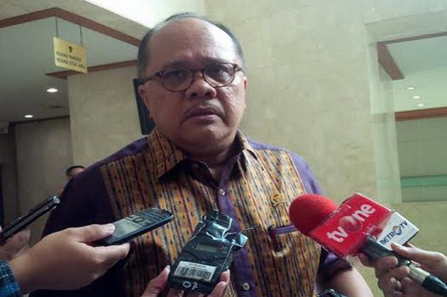 Junimart Beri Bantuan ke GKPI Wilayah IV